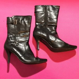 Great condition CL Laundry 3 inch heel boots.